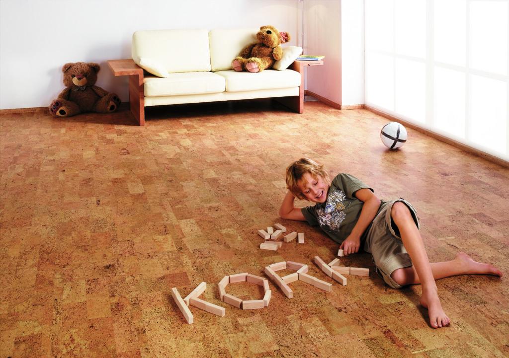 Kork Fußbodenplatten ~ Wie sie ihren alten korkboden richtig aufarbeiten kork
