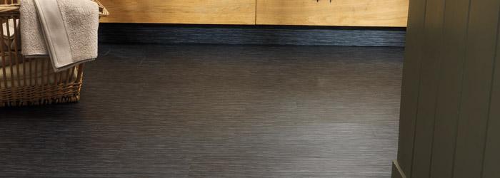 diese vor und nachteile bringen selbstklebende sockelleisten mit sich kork. Black Bedroom Furniture Sets. Home Design Ideas